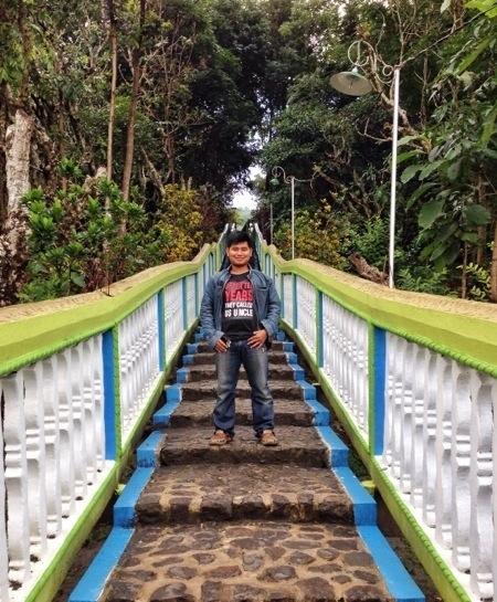 Iman Jek di makam