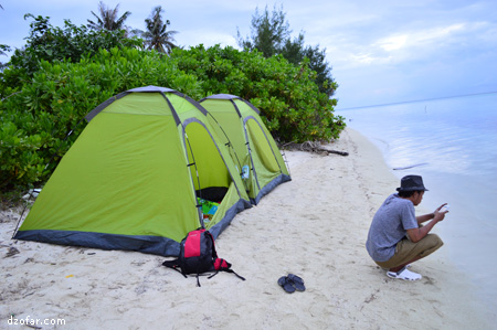 Tenda di Pulau Menjangan Kecil