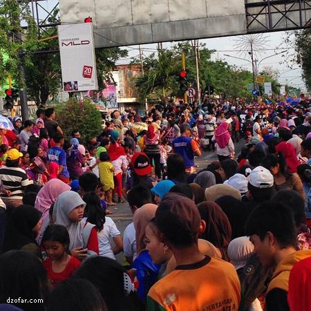 Penonton Karnaval SMP-SMA Nganjuk