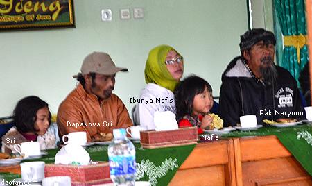 Bapak Naryono, Nafis, Sri