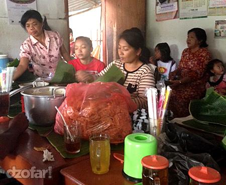 Penjual Nasi pecel bledek