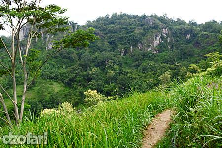 Pemandangan perjalanan Banyunibo