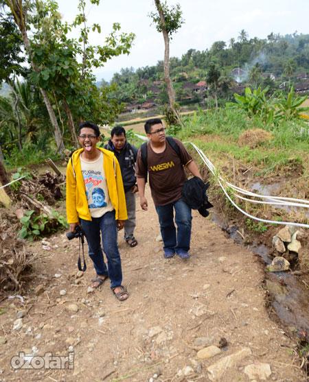 Perjalanan menuju Air Terjun Banyunibo