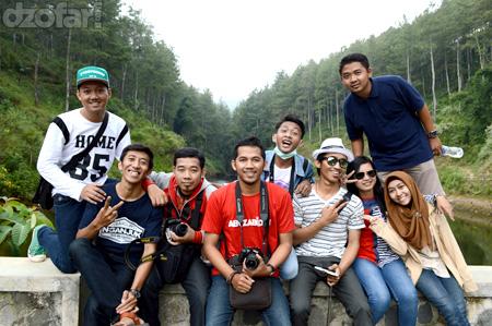 Foto bareng Embung Estumulyo