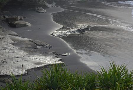 Pasir Hitam pantai klayar