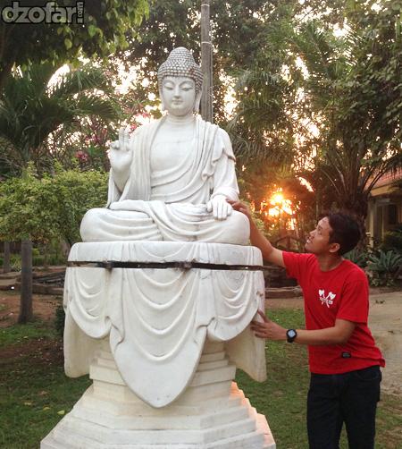 Budha duduk