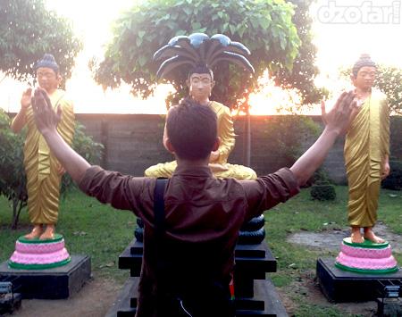 Toast bersama Budha