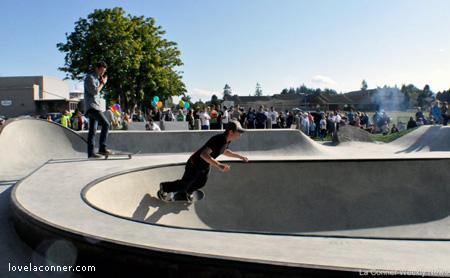 Skateboard track