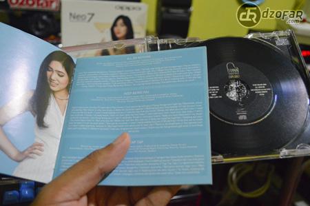 CD Isyana Sarasvati Explore