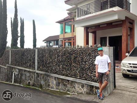Ndop Ganteng di Villa Segoro Gunung