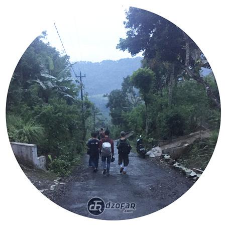 Jalan kaki ke desa dermaji