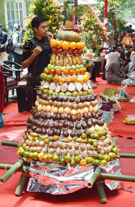 tumpeng buah