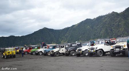 Parkir jeep