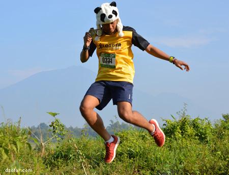 panda melompat