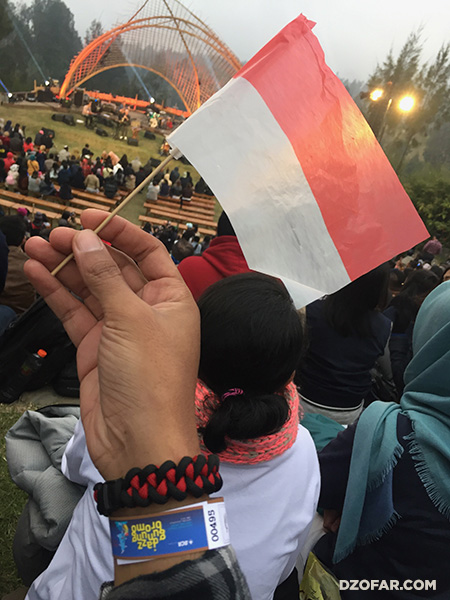 Bendera Indonesia di Jazz Gunung