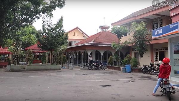 suasana taman Hotel Nirwana
