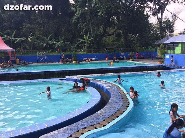 kolam renang margo mulyo