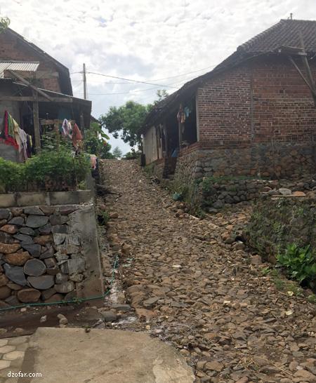 jalan Makadam