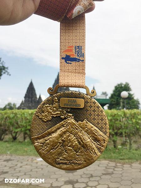 medali belakang